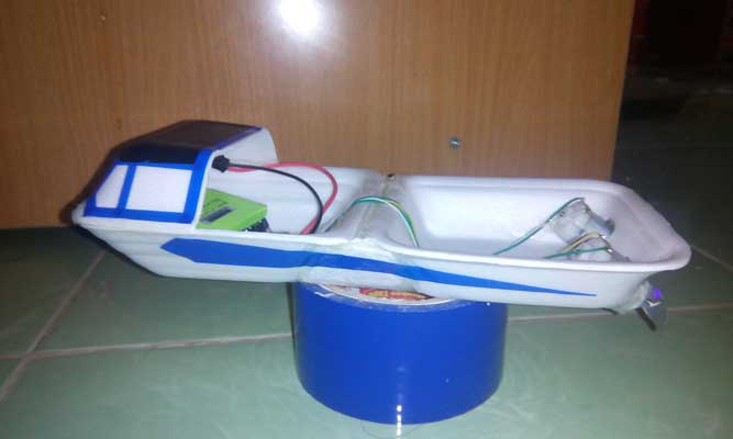 diy 2 engine rc boat using food container
